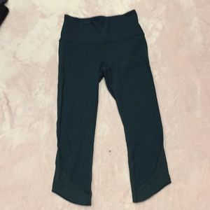 Lululemon crop leggings size 4
